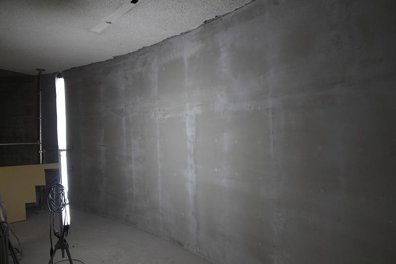 塔内部:壁面(内側)コンクリート増し打ち後の模様